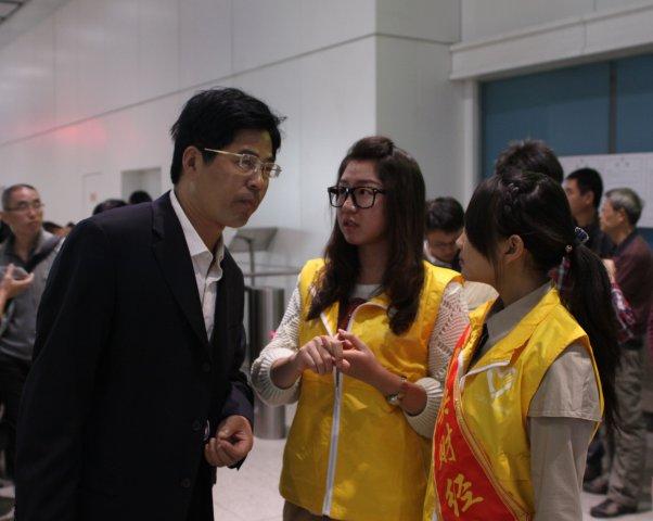 我校2011级本科新生接站及园区迎新志愿服务工作圆满结束